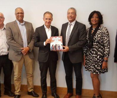 Gesprek delegatie SPLIKA met directeur Koninkrijksrelaties van het Ministerie Binnenlandse Zaken en Koninkrijksrelaties.